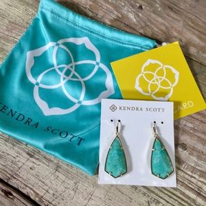 Kendra Scott Carla retired earrings aqua green